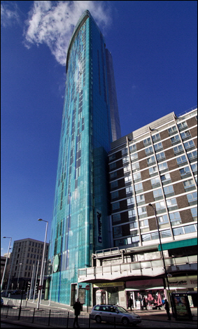 The Beetham Tower, Birmingham © Roger Butterfield